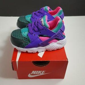 Nike Shoes - NEW!Nike Huarache Run Now (Toddler)